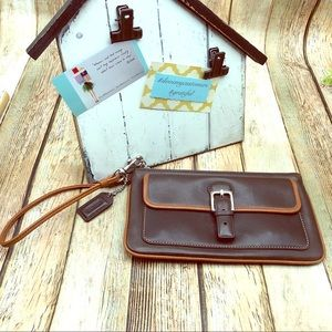 Leather Coach wristlet in great used condition
